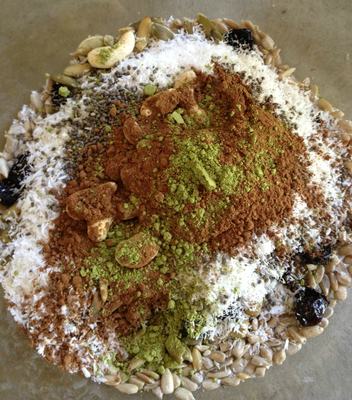 "Chia ""super"" cereal with matcha & carob"